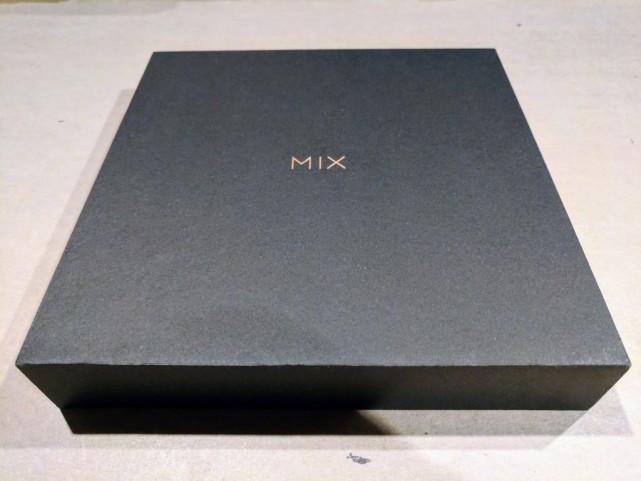 小米MIX2包装盒曝光 确认拥有6GB+256GB陶瓷版 业界新闻 第1张