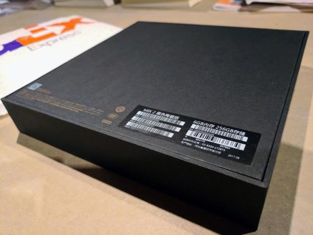 小米MIX2包装盒曝光 确认拥有6GB+256GB陶瓷版 业界新闻 第3张